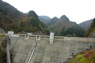 豊丘ダム(昇竜湖)|歴史と自然...